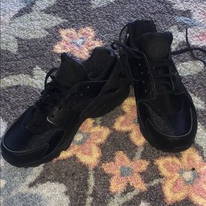 Black womens huaraches (brand new)